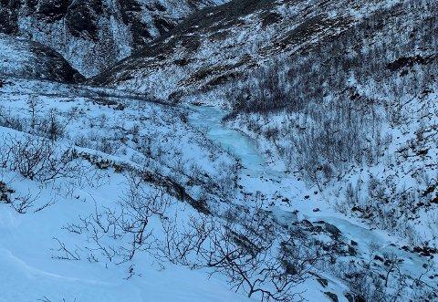 Her skal vannet renne til unnsetning, men isen byr på utfordringer.