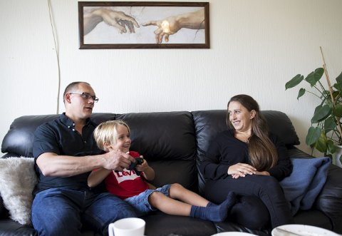 Tre personer måtte til for at Sander (6) skulle bli til: Egg fra en anonym donor, sæd fra pappa Trond Egil             og mamma Cecilies  livmor.