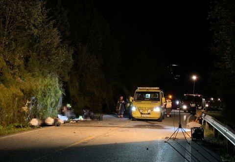 En MC-fører er fløyet til Haukeland sykehus med luftambulanse og en er brakt til Førde sentralsykehus etter en trafikkulykke i Fjaler i Sogn og Fjordane tirsdag kveld.