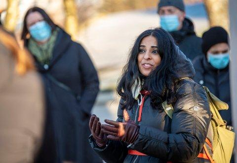 Byråd for arbeid, sosial og bolig, Lubna Boby Jaffery (Ap) møtte onsdag naboene til Nyhavnsveien 10 der Bergen kommune planlegger etablering av boliger for rusavhengige.