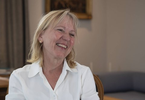På kort varsel måtte Margareth Hagen overta som sjef for en av byens største arbeidsplasser. – Dette er min vakt. Jeg ønsker å være en åpen, lyttende og reflekterende UiB-rektor.