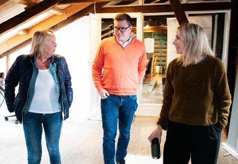 Heidi Lund, Eivind Knudsen (Ap) og Blå Kors-leder Eileen Svendsen stilte opp for å fortelle om foreslåtte kutt i bevilgningen til Blå Kors. Så skjedde det noe uventet.