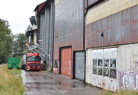 På kornmottaket i Ytre Enebakk kommer det inn bygg og havre.