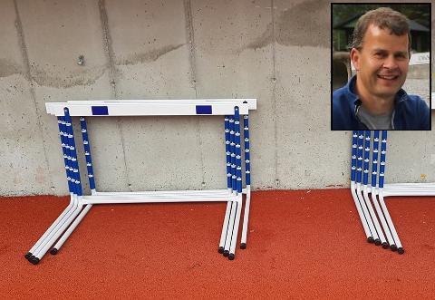 MANGLAR HEKK: Ein slik hekk manglar frå Nye Skei Stadion. Eldsjel Jan Sunde fryktar tjuveri.