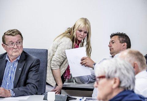 Handel og vandel i Hvaler: Mona Vauger (Ap) forteller om kjøpslåing etter valget, og skriver at Eivind Borge (Frp, til venstre) ble ordfører mot at godtgjørelsen til varaordfører ble økt med 250.000 kroner. Det vervet gikk til Kim-Erik Ballovarre og Høyre.