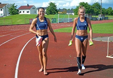 STARTKLARE: Nora Wold (til høyre) og Marlen Aakre er klare for å presse persen ned.
