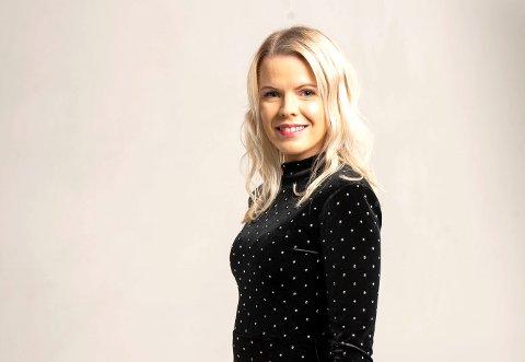 MUSIKK: Cristina Andersen (27) satser som artist, og hadde flere prosjekter da korona stoppet Norge. Nå går det bedre igjen, og hun har fått seg manager.
