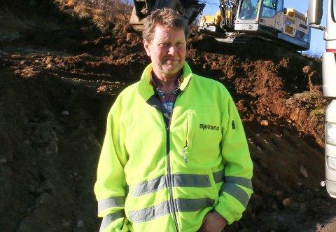 Daglig leder Ole Bjelland i Bjelland AS håper og tror de skadde arbeiderne kom fra rasulykken på Skurve med lettere skader (arkivfoto: Filip Blaauw