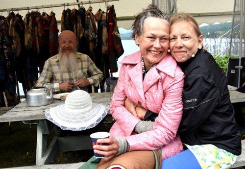 MOR ÅSE OG KNAPPESTØPEREN: Marienne Nilesen skal spille Mor Åse, mens Anne Krigsvoll skal bekle rollen som Knappestøper.