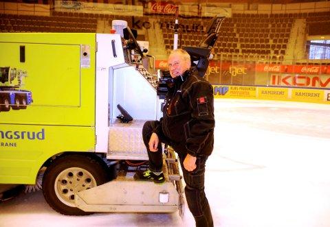 Stein Arne Skoglund er en av kongerikets mest rutinerte med ismaskin.