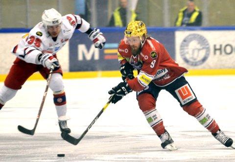 Joey Benik i aksjon for L.I.K. mot Vålerenga. Nå forlater han norsk hockey til fordel for Sveits.
