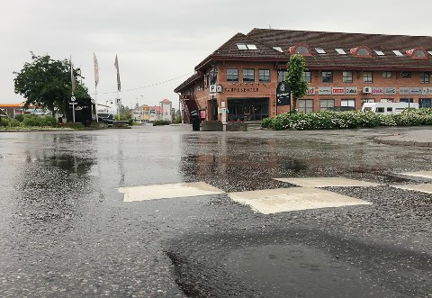 REGN: Bygene kan raskt endre retning om sommeren. Derfor er det vanskelig å melde været.