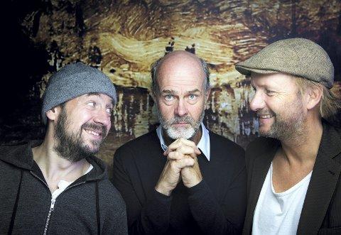 TIL HAMAR: Erik Poppe med skuespillerne Øystein Martinsen og Hallvard Holmen.