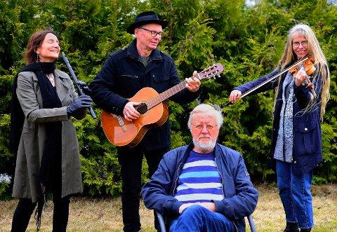 KLARE: Trioen Salt og Pepper har med seg dikteren Frank Eriksen i forestillingen «Gi meg pelargonier» på kulturhuset lørdag. Der har de satt musikk til Eriksens dikt.