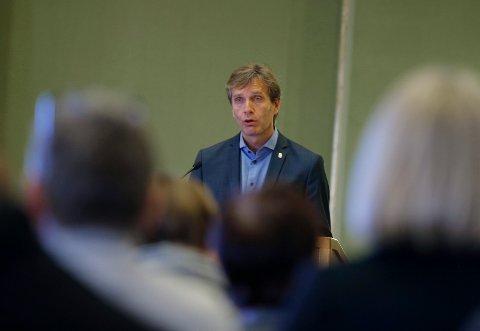 BEKYMRET: Kommunedirektør i Haugesund, Ole Bernt Thorbjørnsen, er bekymret for at omfanget av utbruddet i Haugesund øker.