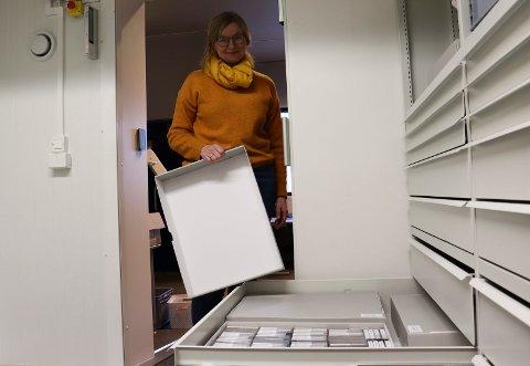 GJØRES TILGJENGELIG: 300 av lydopptakene som ligger i skuffene til Grethe Paulsen Vie og kollegene på museet er nå gjort digitale.