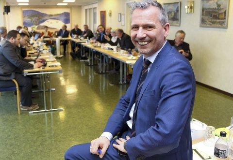 Vil ta vare på HK: Bård Anders Langø og flertallet i kommunestyret i Alstahaug ønsker å ta vare på HK og gi dem de beste muligheter for framtida.  Bilder: Rune Pedersen