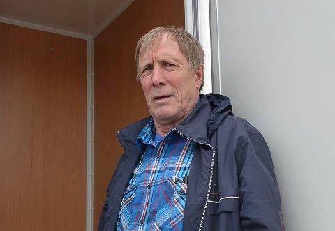 BLIR KAFFESELGER: Ølli Jessen skal selge kaffemaskiner og kaffe som eneste mann i nyetablerte Kaffemester'n Finnmark AS som bor fast i fylket.