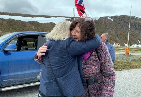GLEDE: Kristina Hansen (Ap) holdt ikke tilbake humøret da de feiret fremgang i saken om oljeomlasting på Veidnes i Nordkapp kommune igjen tidligere denne uken.