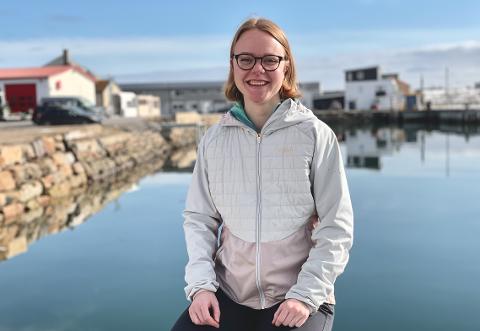 ENTUSIASTISK TILFLYTTER: Silje Løvstad (27) ble en av Vadsøs innbyggere i februar, og forteller at hun for hver dag kjenner at hun ønsker å være her lengre en de seks månedene engasjementet på jobben er.