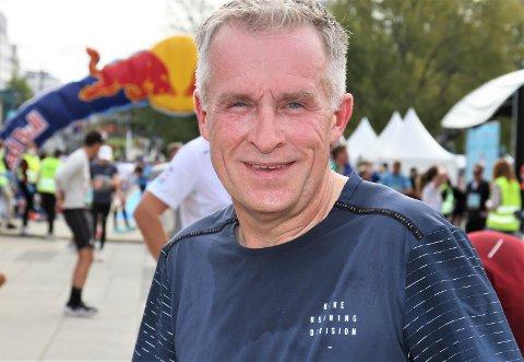MILSLUKER: Thomas Pinås har løpt 58 helmaraton og har ambisjoner om å løpe sju til før kalenderåret er omme. Foto: Svein Halvor Moe