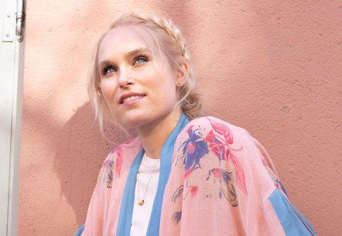TILBAKE HVOR ALT STARTET: Fredag 15. November spiller Eva Weel Skram sin første konsert på Jessheim. Hun har ikke spilt i byen siden hun var elev ved Romerikes folkehøgskole i 2005.