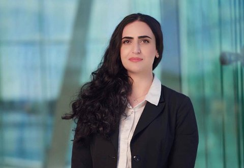 NYUTDANNET: Nabila Amri har en mastergrad i rettsvitenskap og fikk nylig autorisasjon som advokatfullmektig.