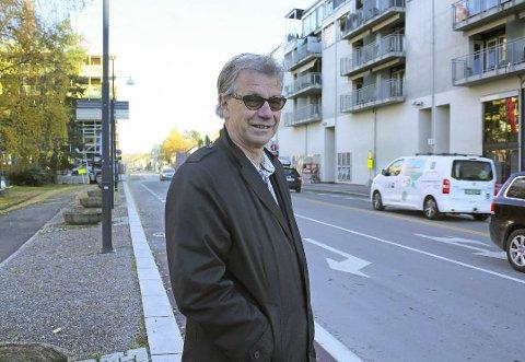 FOR FÅ: Tore Berg, politiker i Folkets Røst, mener det er for få parkeringsplasser i Lillestrøm.