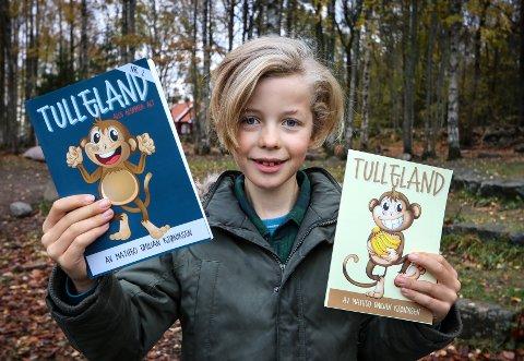 NY BOK: Matheo Emilian Kjøniksen (8) bor på Jeløy og er kanskje Norges yngste forfatter.
