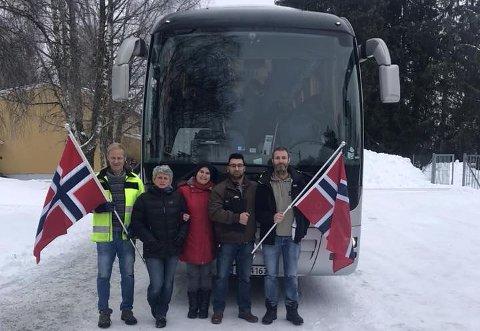 SISTE: Kasper transittmottak tok farvel med sine siste beboere. Fra venstre: Kåre Gjølstad, Bo Leines, Mai-Liz Knudsen, Karim Sohrab Karim og Ole Wegard Utne.