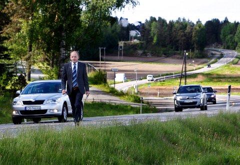 «JA TAKK!» Våler-ordfører Reidar Kaabbel vil gjerne ha det løftet på fylkesvei 120 som vil følge med dersom veien blir avlastningsvei for E6.