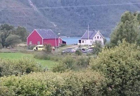 AKSJON: En mann falt ned i en fjellsprekk på Melåa i Kvæfjord natt til søndag. Redningsaksjonen varte mange timer ifølge politiet.