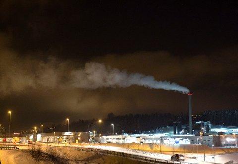 IRRITERENDE STØY: Naboer til Eidsiva forbrenningsanlegg i Gjøvik meldte om irriterende metallyder fra anlegget til alle døgnets tider.