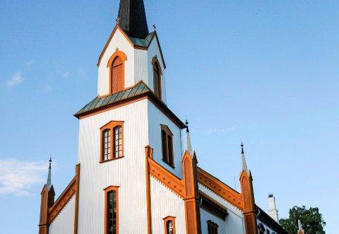 KIMER I DAG: Når Norges kirkeklokker kimer påskeaften har de vært tause i tre dager (ARKIVBILDE AV GJØVIK KIRKE)