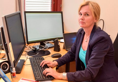 - INGEN BYGDEDYR: – Vi er ingen bygdedyr fordi om vi påklager et vedtak der politikere i Østre Toten har beveget langt utenfor lovens rammer, sier Elena Lindstad.