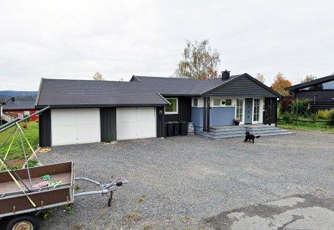 3,3 MILL: Roterudvegen 19 (Gnr 12, bnr 341) er solgt for kr 3.300.000 fra Roar Kjetil Skogvoll og Vera Lønstad til Frank Richard Christensen og Monika Sofienlund (02.08.2021). Dette var den høyest omsatte boligen i Vestre Toten i august. I tillegg ble et næringslokale på Raufoss solgt for 6 millioner kroner til Saray Restaurant AS.