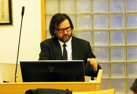 Bård Hauger er forsvarer for Hans Petter Abrahamsen.