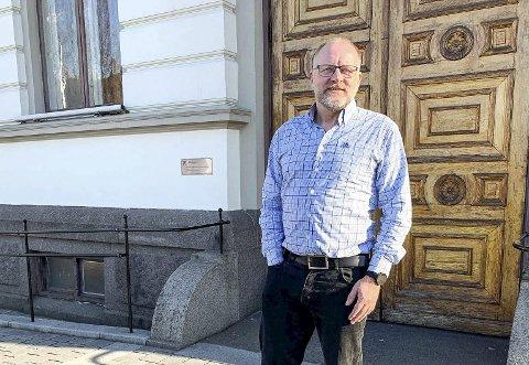 Tollef Stensrud er kommunalsjef for oppvekst i Porsgrunn. Han sier han har oppfordret skolene til å ha så mye uteskole som mulig i tiden framover.