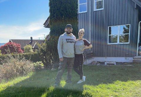 SOLGT: Oppussingsprosjektet i Uranusvegen på Brattås ble solgt for 2,5 millioner mer enn det Mads Clemmetsen (26) og Helene Sjøberg (25) kjøpte eiendommen for.
