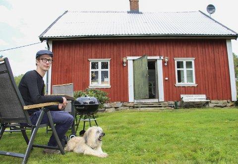 Ole Martin Bjørk selger husmannsplassen Veiby.