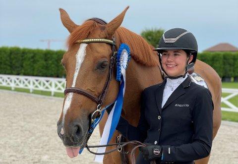 Maria og Urioso: Maria Louise Kingsrød sammen med hesten sin Urioso de Laume.