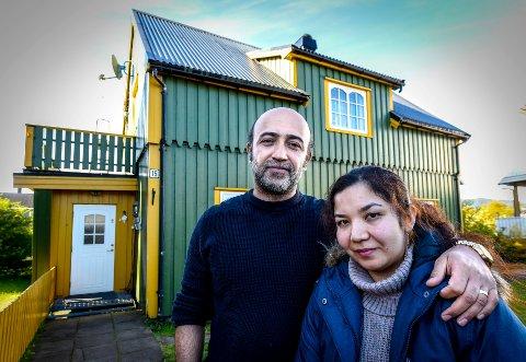 Hussein Mahmoudi har fått beskjed fra UNE om at de opprettholder avslaget på asylsøknaden hans. Her er han sammen med kona Fatima Jaghori, som har oppholdstillatelse.