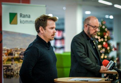 Kommunelege Frode Berg og ordfører Geir Waage.