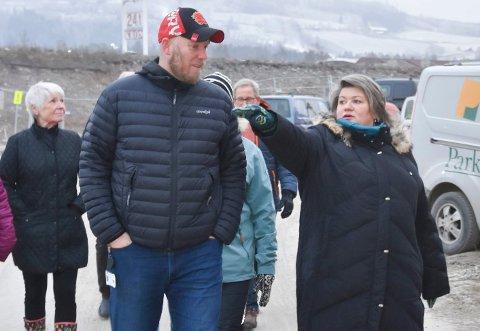 UENIGE: Odd-Amund Lundberg (Sp) og ordfører Anita Ihle Steen (Ap). Bildet er tatt ved en tidligere anledning.