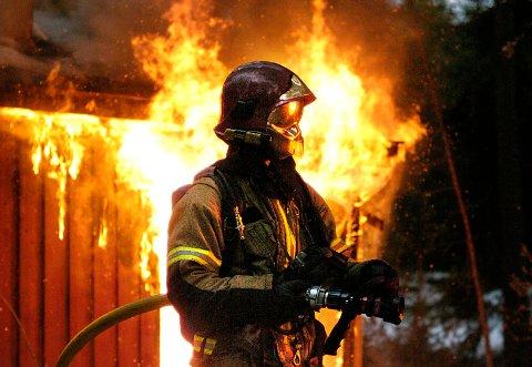 RAPPORT FORSINKET: Utredningen om hvor Ringerike brann- og redningstjeneste bør ha stasjon(er) i fremtiden skal være ferdig i juni.