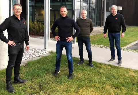 AVTALE: XPND inngår avtale med Kirkens bymisjon om et treårig samarbeid. Fra venstre Jan Egil Hovland (Kirkens bymisjon), Nils Kjetil Tronrud (eier, XPND), Morten Pettersen (daglig leder, XPND) og Jon Gulbrandsen (Kirkens bymisjon, Hønefoss).