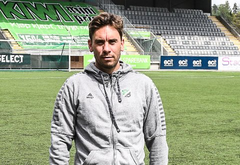 TAP: HBK-trener Luke Torjussen måtte se at laget hans tapte 0-3 mot Gjelleråsen.