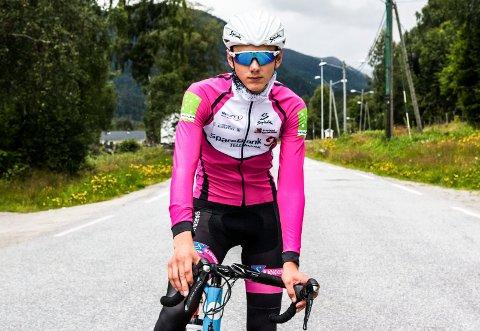 PAUSE: Sykkeltalentet fra Atrå Lars Gardsteig Fæhn (19) tar en pause fra sykkelsporten.