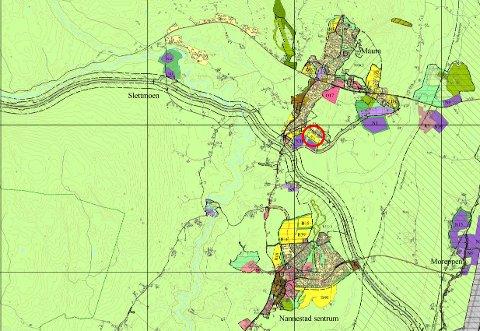 Planområdet er merket gult for framtidig boligområde i kommuneplanen (rød ring).