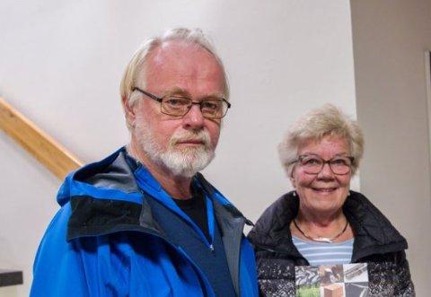 Leder Tor Erik Hansen og Brit Hansen er en del av redaksjonskomiteen som står bak den nye årboka til Sola Historielag. I komiteen sitter også Ottar Kjørmo, Arvid Bærheim, Paul Hogstad og Torleif Oftedal.